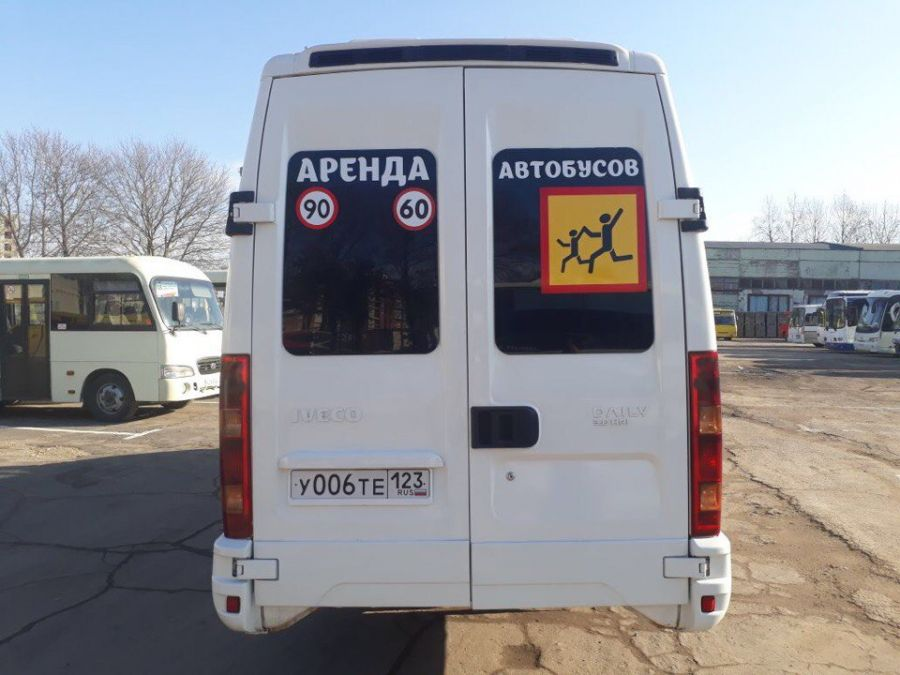 Iveco Daily 2010 год 19 мест